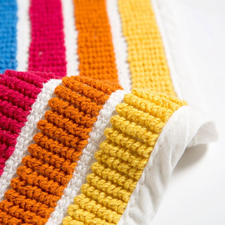 Image 5 of the product MULTICOLOURED STRIPED BATH MAT