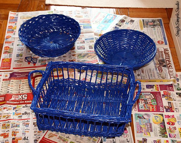 how to spray paint wicker baskets line with parchment paper to serve. Black Bedroom Furniture Sets. Home Design Ideas