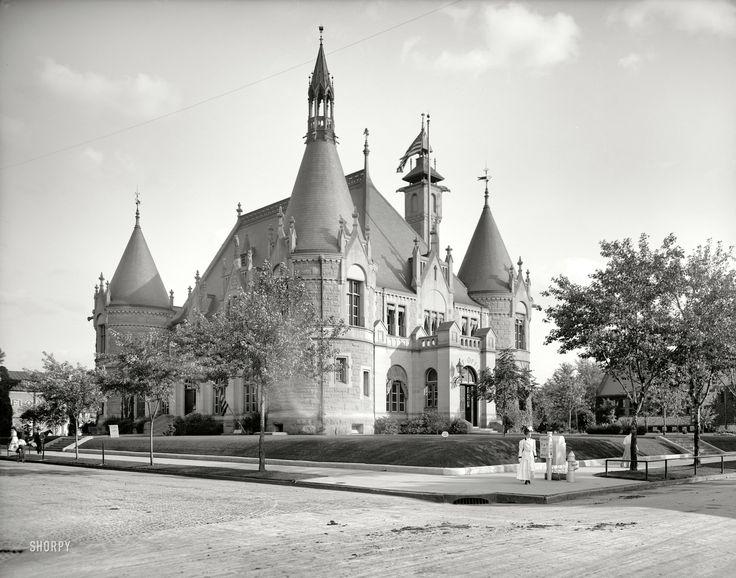 "Circa 1905. ""Post office, Saginaw, Michigan."""