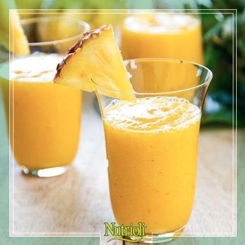 ¡Prepárate un smoothie lleno de vitaminas para empezar el día de mañana lleno de energía!   Sólo necesitas licuar:   • 1 taza de yogurt • ¼ taza de piña • ½ plátano • ½ taza de mango • ¼ de taza de leche • 1 taza de hielos