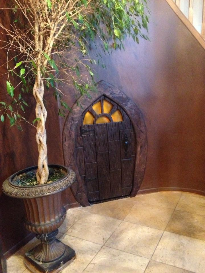 My brother's aunt asked him to make her storage closet so he cut the wall under her staircase and made a Hobbit door. Incredible. He commissions his art work in Cali and AZ.: Kids Bedrooms, Storage Closets, Closet Doors, Hobbit Hole, 21 Diy, Bedrooms Magic, Child Bedrooms, Hobbit House, Hobbit Doors