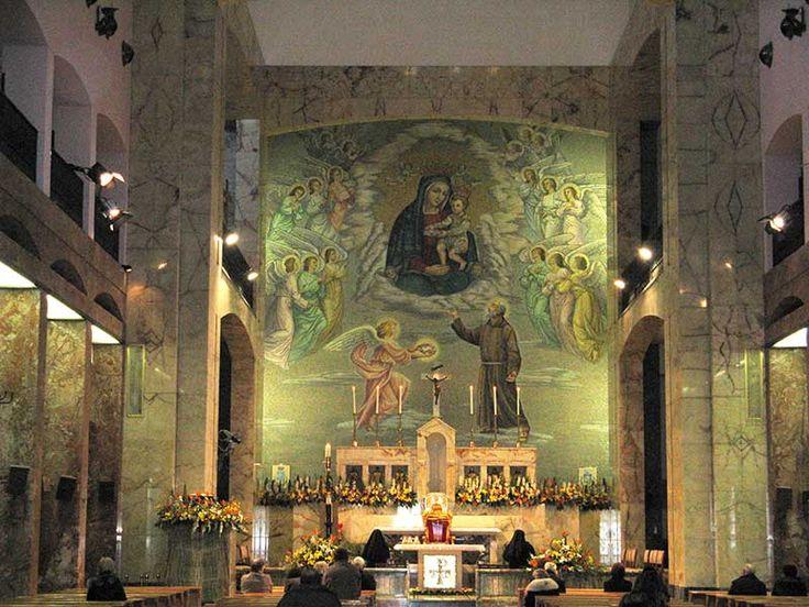 San Giovanni Rotondo - Altar de la Iglesia de Santa María de las Gracias