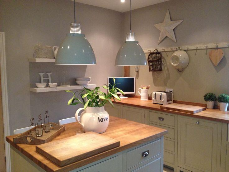 Shaker Kitchen - Lovely lights