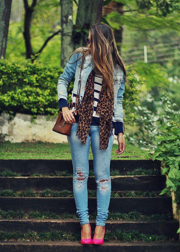 look-com-calca-jeans Blusa listra e lenço onça!