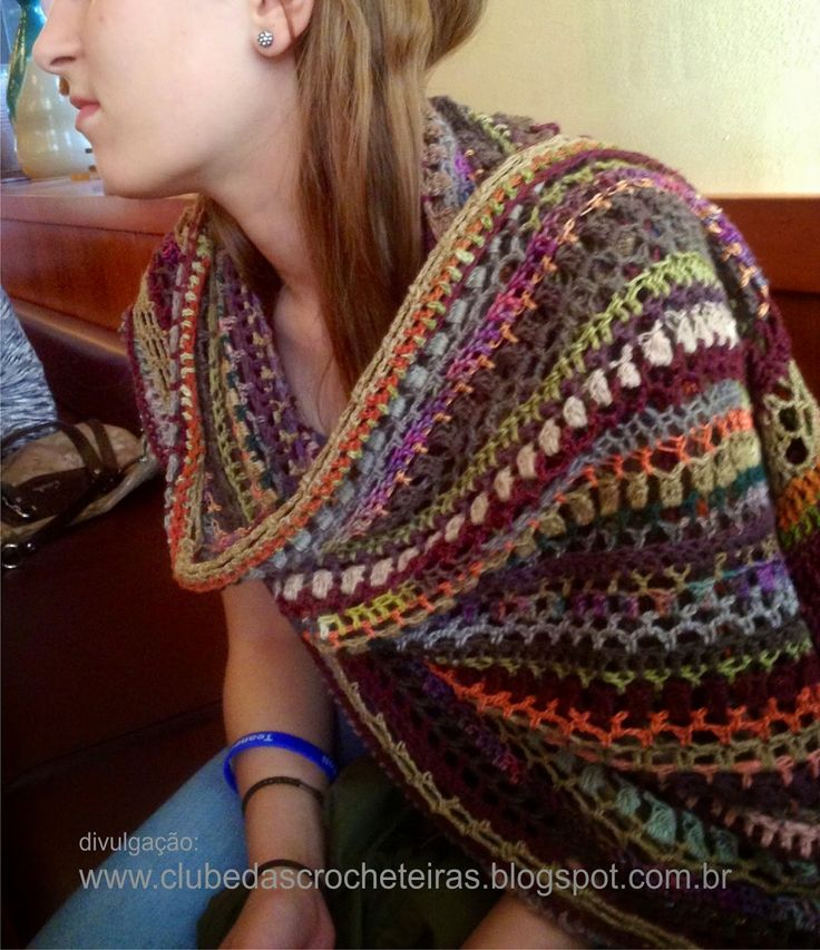 CLUBE DAS CROCHETEIRAS: cachecol de crochê colorido
