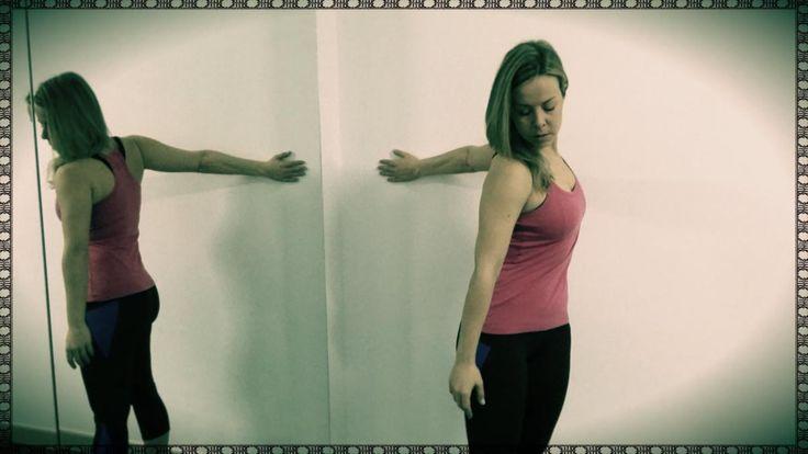 Hoy te presento un estiramiento mucho más focalizado en el pecho, parte anterior de los hombros y en el bíceps braquial. No te lo pierdas!!