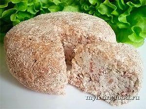 Сыроедческий Сыр Сырыч -миндаль (замоченный на 12 часов) – 200 г -проростки зеленой гречки – 5 ст. л. -сок лимона – 1 ст. л. -морская соль – 1 ст. л. или по вкусу -мускатный орех – 1/2 ч. л. или по вкусу Источник: http://mylivingfood.ru/syiroedcheskiy-syir-syiryich/