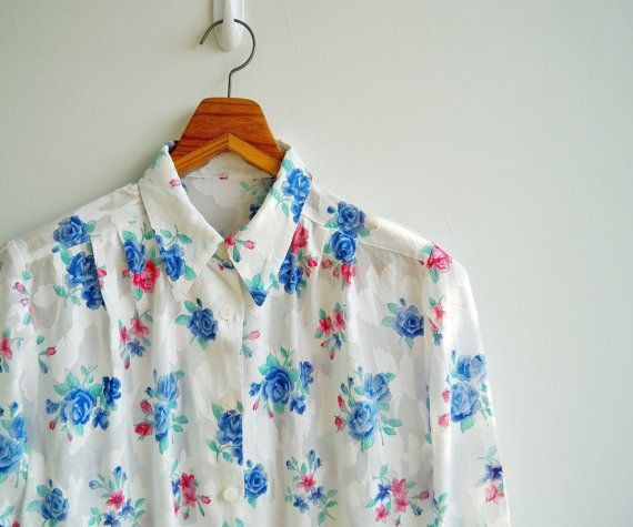 Vintage Blue and Pink Red Rose White Jacquard Semi by sweetdecade, $24.00