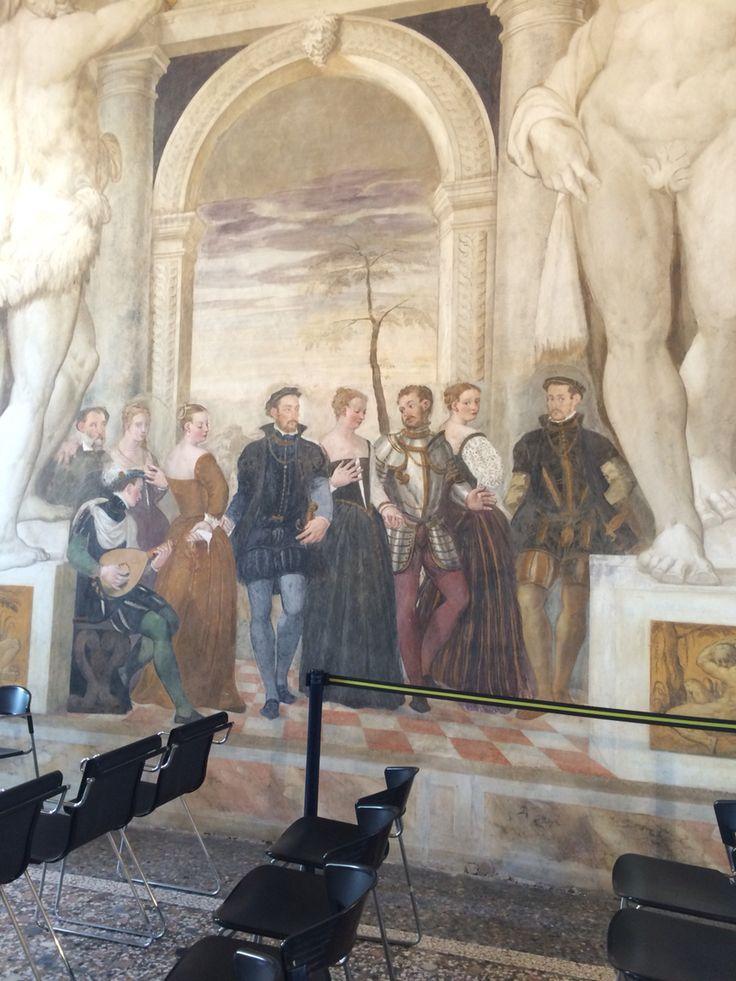 Particolari degli affreschi del Salone Centrale (Villa Caldogno, Vicenza). Buona giornata ☀️
