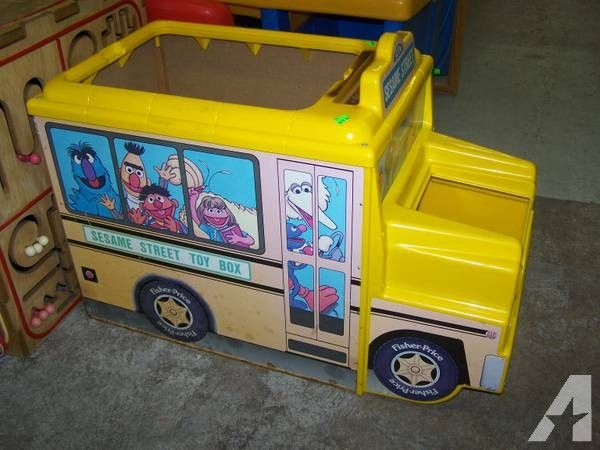 SESAME STREET SCHOOL BUS TOY BOX - for Sale in Nampa, Idaho Classified | AmericanListed.com