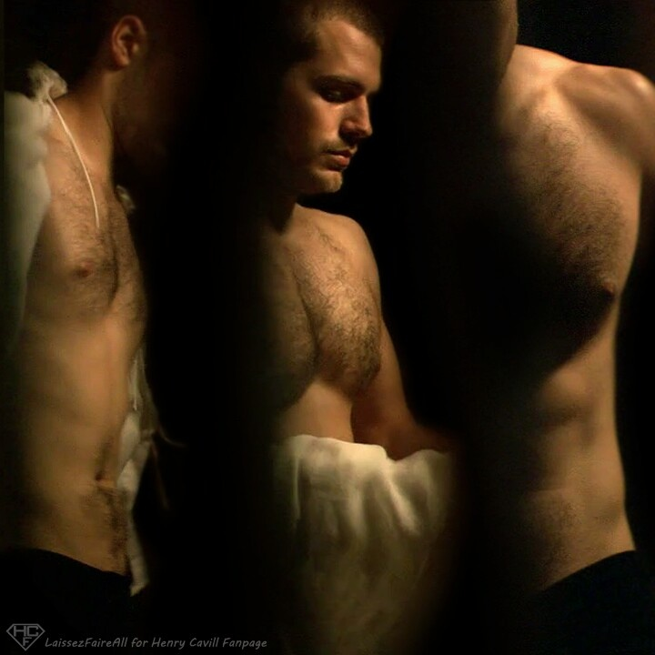 Henry Cavill / Charles Brandon The Tudors   Oooooohh the nipples and chest hairs... oooooooo!