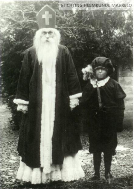 Sinterklaasbezoek in Markelo, 1925 (Heemkunde Markelo)