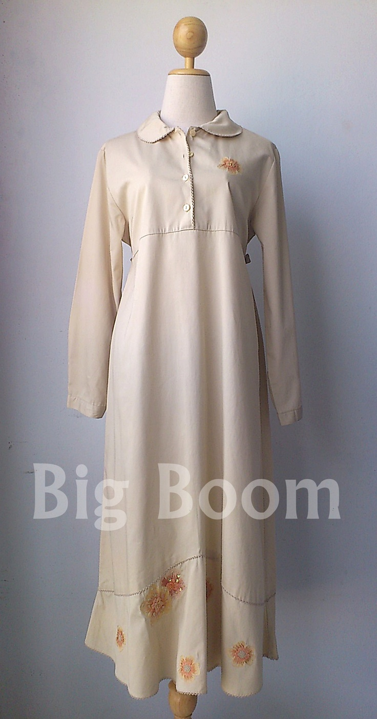 30 USD. Visit to Big Boom (The Vintage Dress Shop) are welcome. http://www.facebook.com/pages/Big-Boom/437120019644488 Payment by PayPal and delivery by air mail.