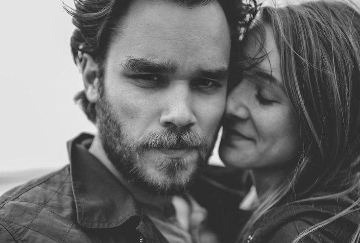 Łączą się w pary: Nałogowcy Kochania i Unikający Bliskości. Jedni poświęcają całą swoją uwagę kochanej osobie, drudzy przyjmują postawę chłodnego opiekuna. Łączą ich lęki: przed bliskością i przed odrzuceniem jednocześnie. Tworzą relacje, które bolą i kaleczą, ale tylko w takich odnajdują swoje spełnienie. O niebezpiecznych związkach rozmawiamy z psychoterapeutką Katarzyną Kucewicz.