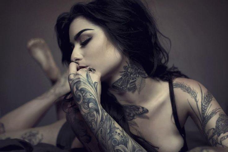 nude women sexy tattoo