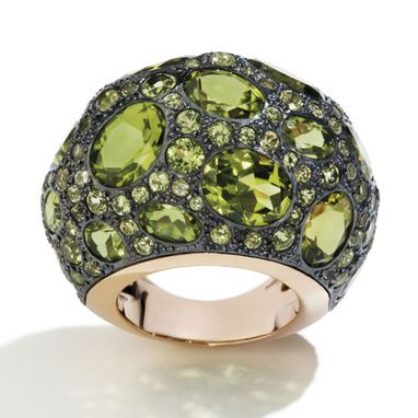 The Tabou ring by Pomellato <3  For summer 2012, the Italian jewelry house has created a pink gold ring, set with grass green peridots.: 2012 Jewelry, Accessories Galleries, Pomellato Rings, Pomellato Tabou, Green, Collection Rings, Bagu Tabou, Tabou Rings, Fine Jewelry