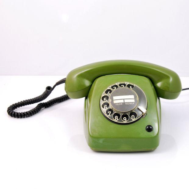 Telefon stacjonarny Post FeTAp 611-2, Niemcy 1978 rok   Post FeTAp 611-2 stationery phone, Germany 1978   buy only on Patyna.pl #phone #PostFeTAp #green #mechanical #modern #midcenturymodern #goodoldthings #60s #1960s #design #vintage #retro #vintagefinds #inspiration #decor #home