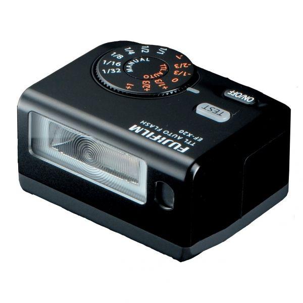 #Fujifilm EF-X20 Shoe Mount #Flash.  A Fujifilm egy új, kompakt vakut jelentett be vakucsatlakozós fényképezőgépeihez. A TTL módban is működő villanó 20-as kulcsszámú, de akár manuális beállításokkal, legfeljebb 1/64-es teljesítmény leosztással is használható. Ez a tetején lévő tárcsával nagyon könnyen elvégezhető, ahogy ugyanez a kezelőszerv szolgál az automata mód +/-1 fényérték közötti, 1/3 lépéses korrekciójára...