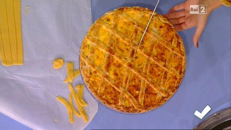 """""""Detto Fatto"""": la ricetta della pizza rustica napoletana di Daniela De Simone del 5 novembre 2013."""