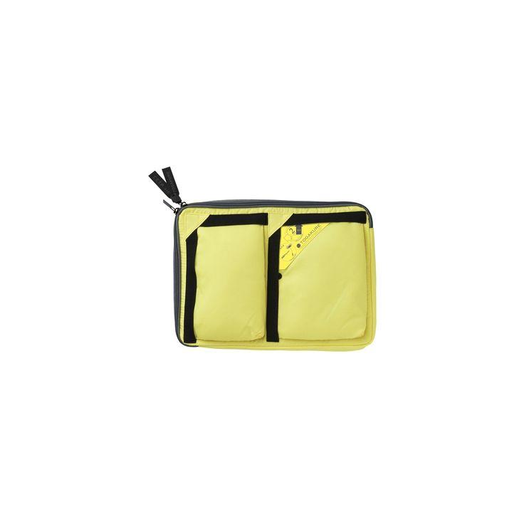 Também conhecidos como bag-in-bag (ou bolsa-dentro-da-bolsa), os Togakure são muito populares no Japão por serem uma forma prática de organizar e transportar seus pertences. Guarde tudo em seu Togakure e coloque-o dentro de sua bolsa, pasta ou mochila. Quando quiser trocar de bolsa, pegue apenas o Togakure e não deixe nada para trás. Inovadores bolsos sem zíper podem ser acessados tanto na horizontal quanto na vertical, permitindo o uso em qualquer posição. Todos os Togakures são…