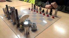Cómo hacer piezas de ajedrez con tornillos: económico y espectacular