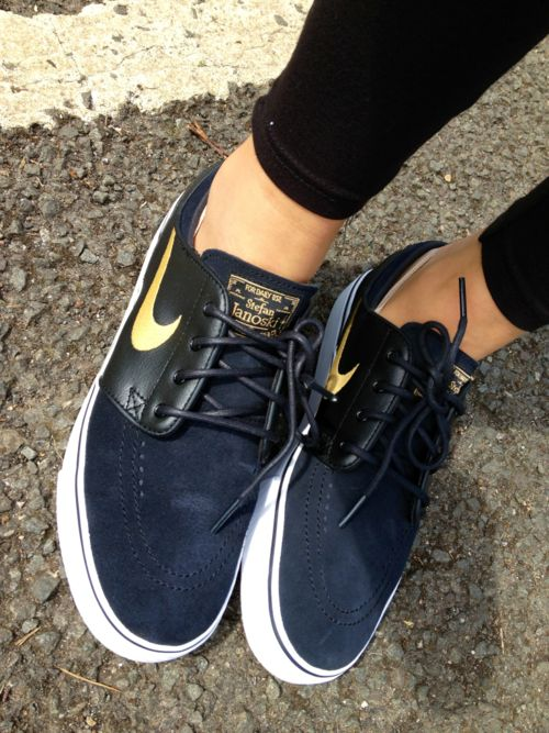 : Fashion, Style, Nikes, Black Gold, Nike Shoes, Nike Sneakers, Nike Janoski, Stefanjanoski, Stefan Janoski