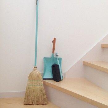 掃除用具ではあまりみかけない、とってもキレイな水色を集めてみて。 細かい糸まで、すごく可愛らしく感じられますね♪