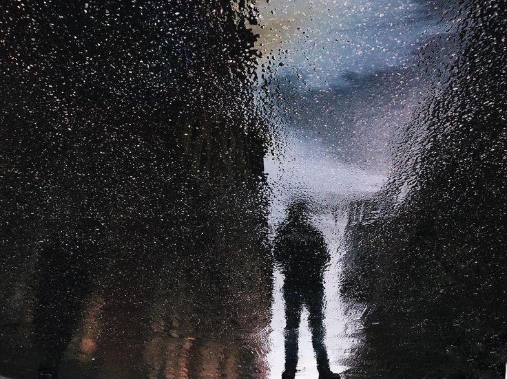 Dark streets of Punavuori #darkness #reflection #punavuori #hipstamatic #oil #man #silhouette