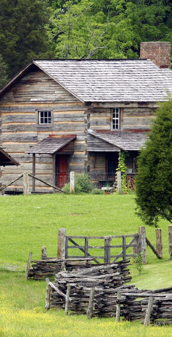 17 best images about log cabin in the woods on pinterest for Old rustic cabins