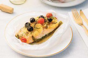 receta de salmon empapelado a las hierbas finas