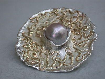 zilver met roodgoud draad met zoet water parel broche