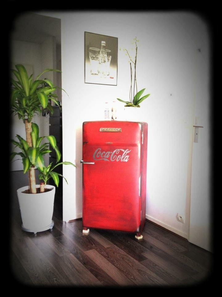 78 best id es propos de frigo vintage sur pinterest. Black Bedroom Furniture Sets. Home Design Ideas