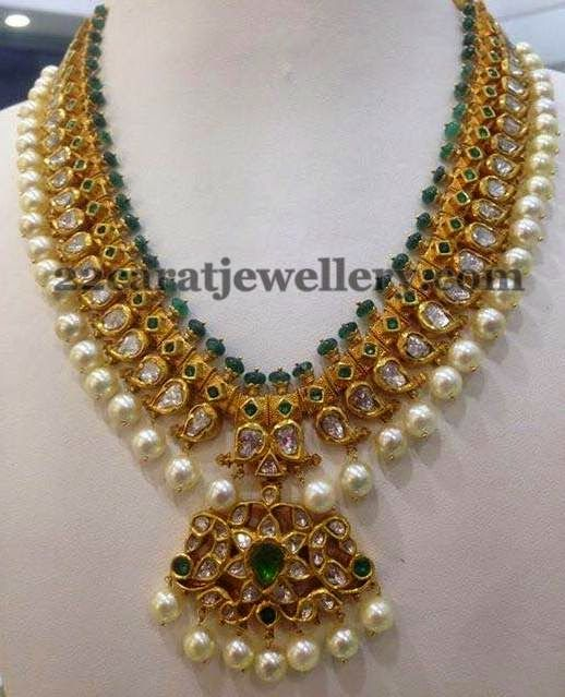 Jewellery Designs: 100gms Pachi Necklace Set