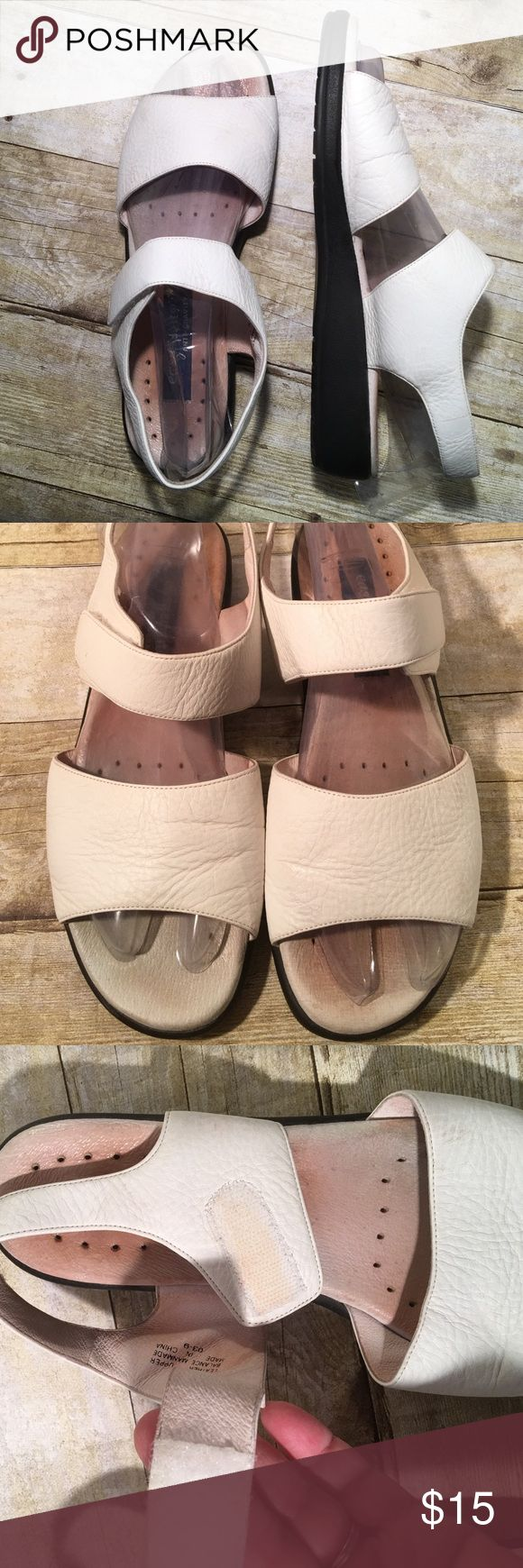 """Easy Spirit White Velcro Strap Sandal 9 1/2N 1 1/2"""" wedge. Velcro Straps. Leather uppers. Instep is a little soiled but the shoe itself is in very good condition and comes from my non smoking home Easy Spirit Shoes Sandals"""