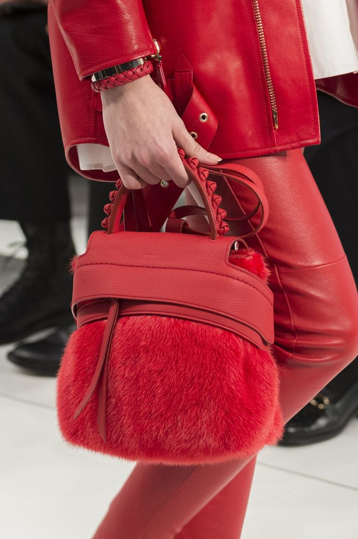 Tod'S at Milan Fashion Week Fall 2017 - Details Runway Photos
