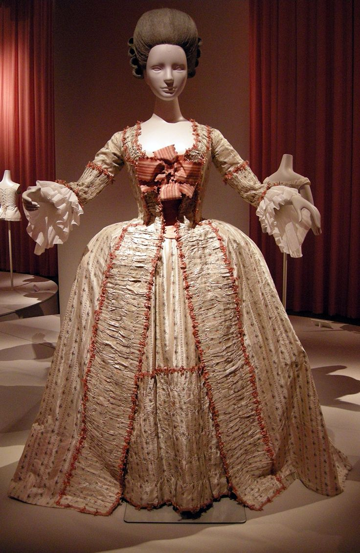 374 best robe a la francaise images on pinterest french for French rococo fashion