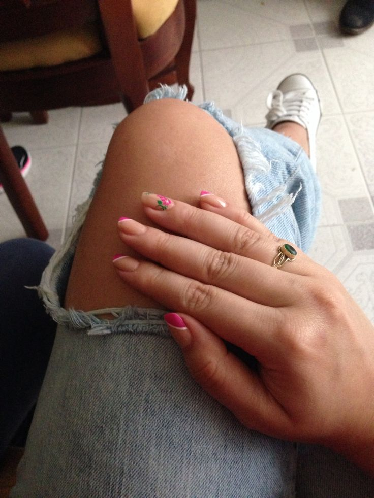 Uñas - jeans rotos