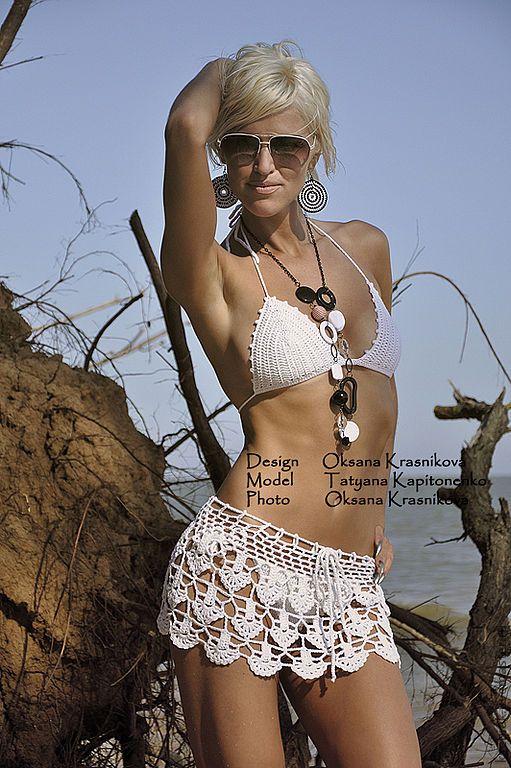 crochet beach skirt. Swimwear e xales feitos à mão. Fato de banho e acácia praia saia branca. Oksana Krasnikova. Mestres justo.