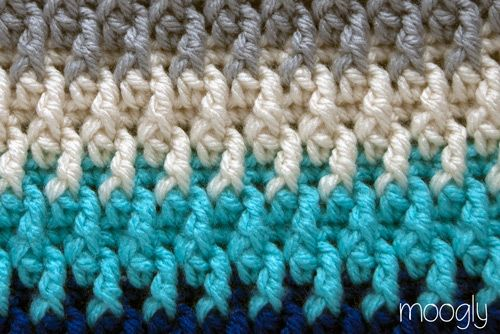 Chroma Crochet Bag - choose your colors and then choose your style! Free pattern from Moogly! #crochet