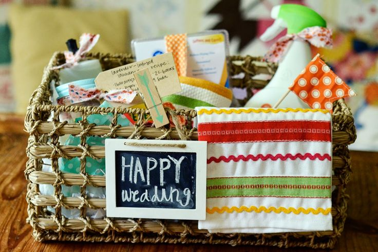 the homemaker's wedding gift basket idea for under $25