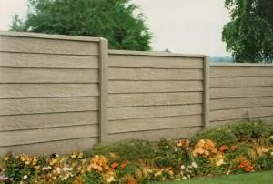 Concrete Privacy Fence | woodgrain-concrete-privacy-fence-001