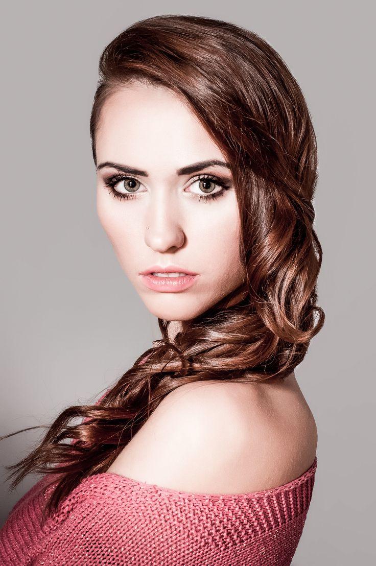 model: Justyna Kukiełka foto: Angie Stachura make-up : Agnieszka Pąchalska