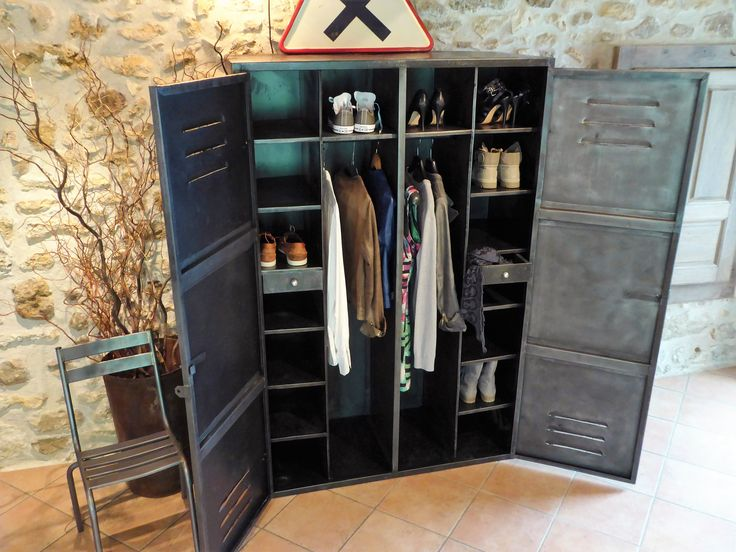 armoire industrielle an 50 39 dressing vous propose ce meuble ancien dressing. Black Bedroom Furniture Sets. Home Design Ideas