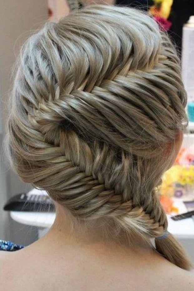 balık sırtı örgü – Kadınların Dünyası Saçları kadınların en doğal ve önemli aksesuarıdır. Saçlarının güzel görünmesi direkt olarak dış görünüşü etkilemektedir. Rengi ne olursa olsun bakımlı ve dolgun saçlar bir sıfır önce başlamaya sebeptir. Doğallıktan yana olanlar kadar saç rengini değiştirenlerde vardır. Renk yada uzunluk fark etmeksizin en harika saç modellerinden biriside örgülü saçlardır. Günümüzde oldukça marjinal saç rgü modelleri olduğu gibi klasik saç örgüleri rabet görüyor. Öyle…