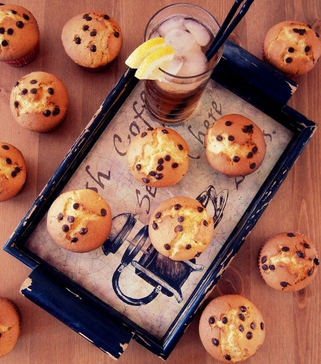 Olives & Olive: Muffins Βανίλιας με κομματάκια σοκολάτας
