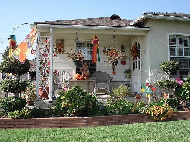 See More Thanksgiving Decorated Houses At Www Irelsite