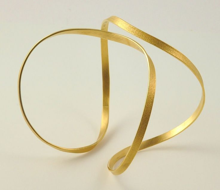 Bracelet | Doretta Tondi.  22k solid gold