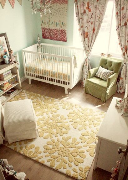Love this simple but classic nursery look.