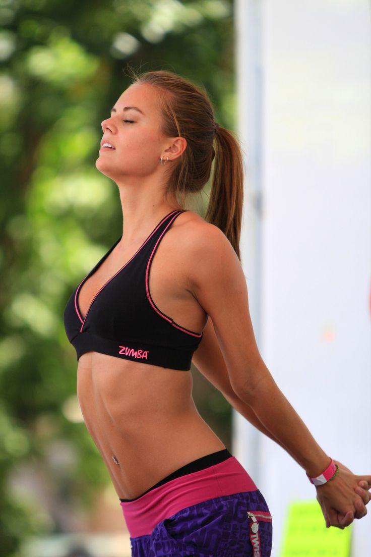 Een goed trainingsschema met de juiste oefeningen heeft tal van positieve effecten op onze #gezondheid, in het bijzonder op die van de #vrouw.  #fitness #workout