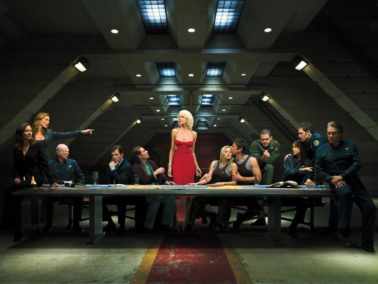 Such a great photo for an amazing series. Battlestar_Galactica_Last_Supper.jpg 5,434×4,080 pixels